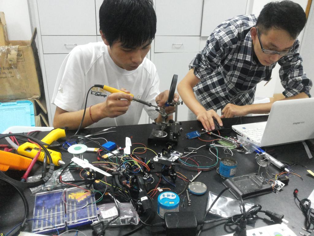 2013年全国大学生电子设计竞赛开赛-物理与电子信息